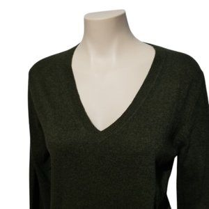 Classic V-Neck Soft Sweater Green Size Small